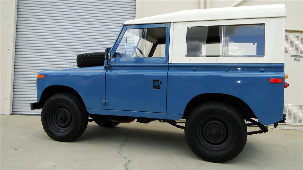 1971 LAND ROVER 4-WHEEL DRIVE - Side Profile - 130297