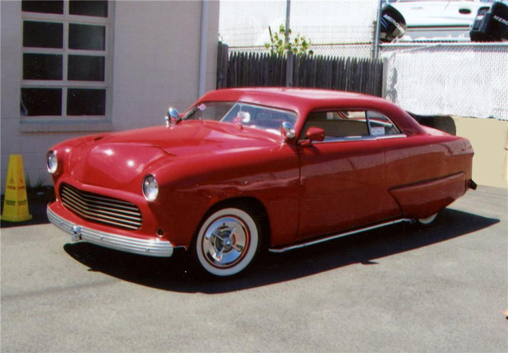 1951 FORD CUSTOM 2 DOOR COUPE - Front 3/4 - 130302