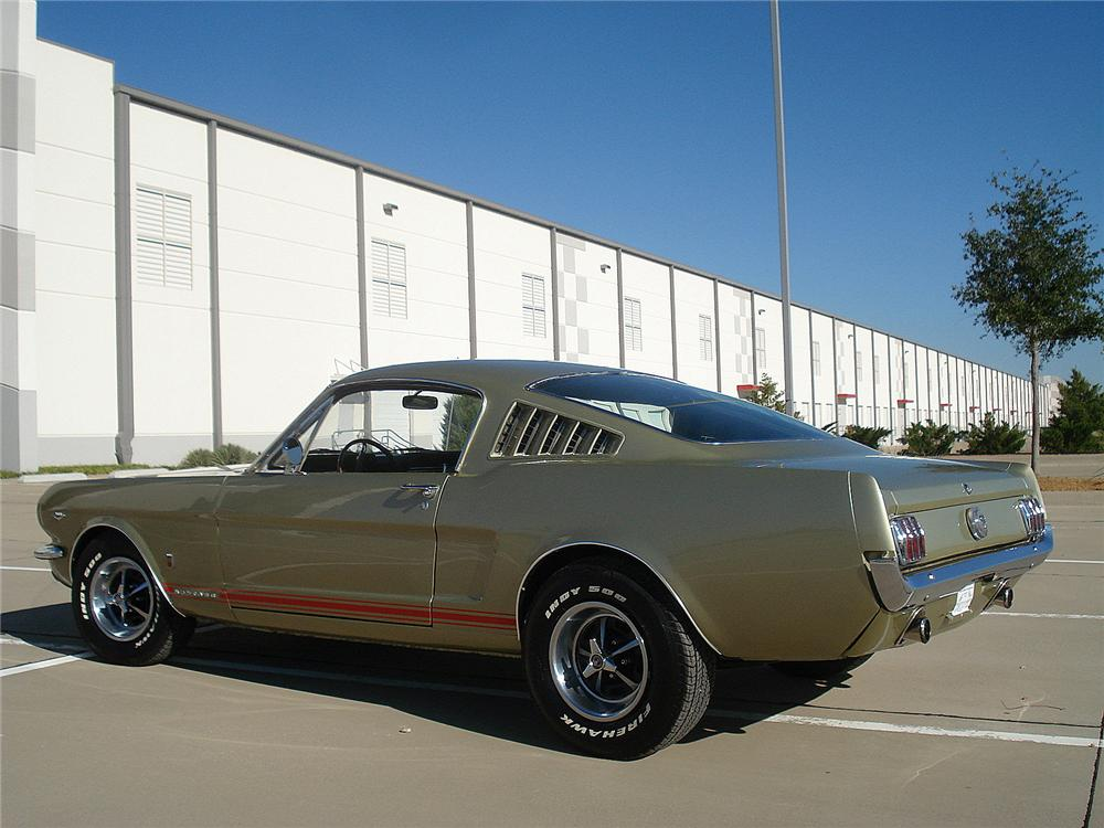 1966 FORD MUSTANG GT FASTBACK - Rear 3/4 - 130307