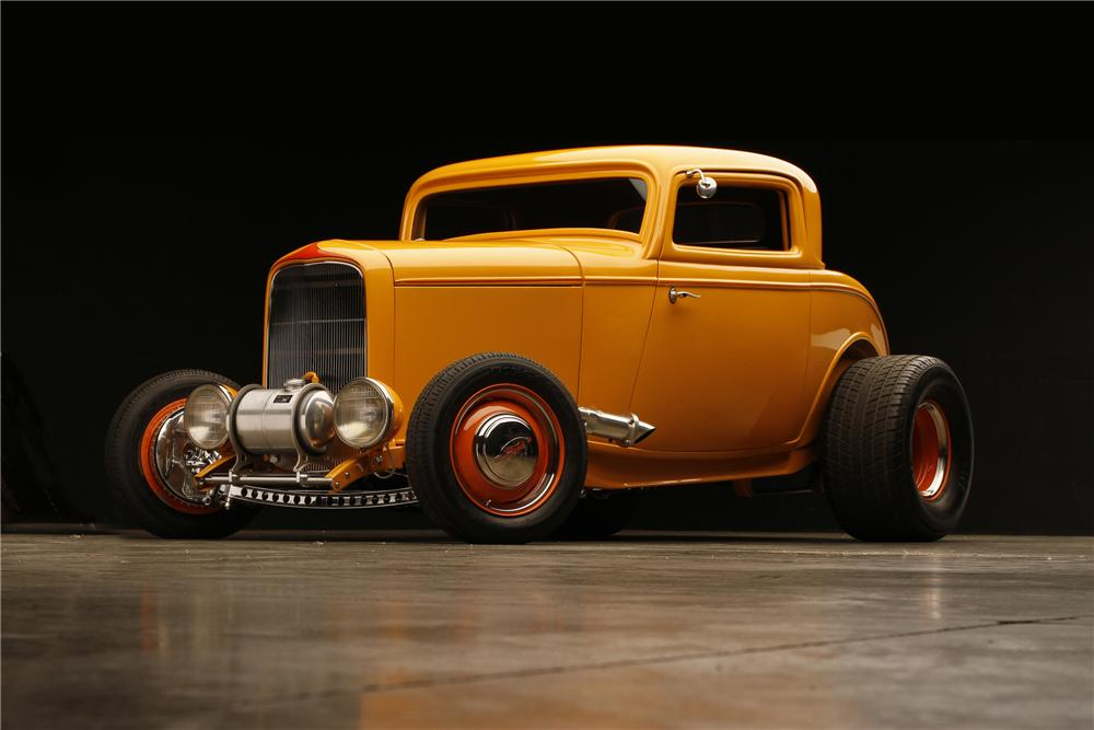 1932 FORD HI-BOY 3-WINDOW CUSTOM COUPE - Front 3/4 - 130308