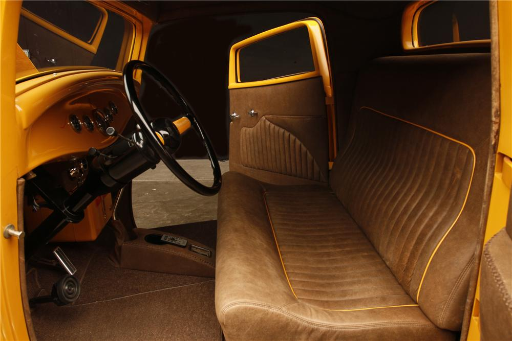 1932 FORD HI-BOY 3-WINDOW CUSTOM COUPE - Interior - 130308