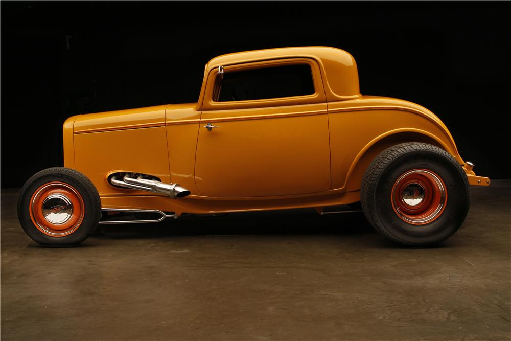 1932 FORD HI-BOY 3-WINDOW CUSTOM COUPE - Side Profile - 130308