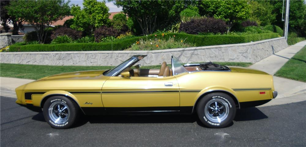 1973 FORD MUSTANG CUSTOM CONVERTIBLE - Side Profile - 130310