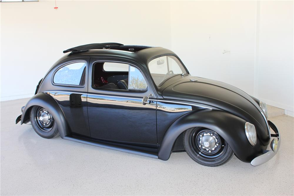 1960 VOLKSWAGEN BEETLE CUSTOM 2 DOOR COUPE - Front 3/4 - 130325