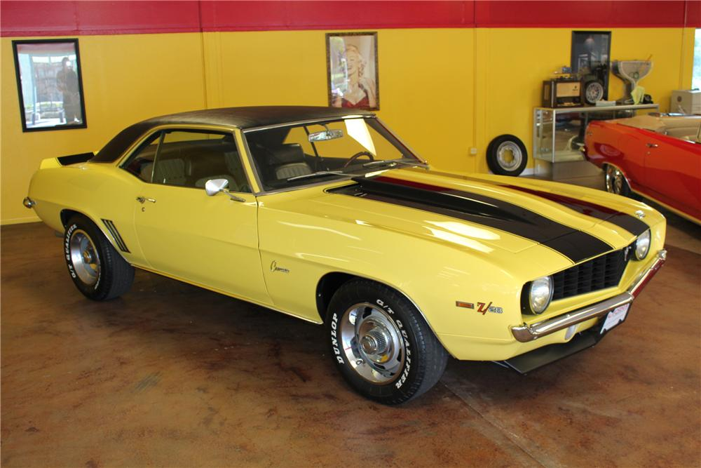 1969 CHEVROLET CAMARO 2 DOOR COUPE - Front 3/4 - 130332