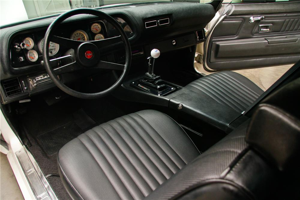 1970 CHEVROLET CAMARO CUSTOM 2 DOOR COUPE - Interior - 130339