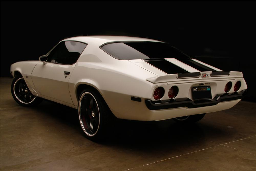 1970 CHEVROLET CAMARO CUSTOM 2 DOOR COUPE - Rear 3/4 - 130339