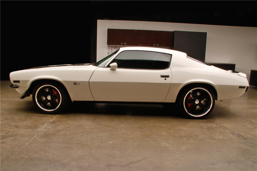1970 CHEVROLET CAMARO CUSTOM 2 DOOR COUPE - Side Profile - 130339