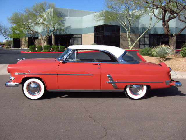1953 FORD CRESTLINE VICTORIA 2 DOOR HARDTOP - Side Profile - 130351