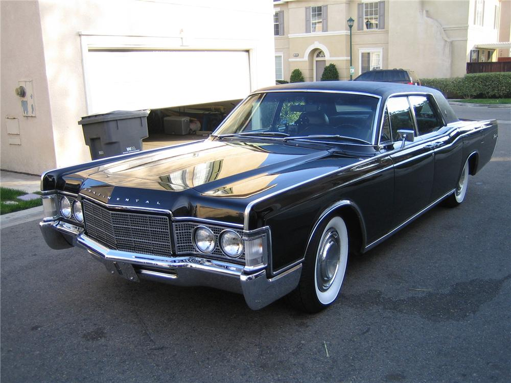1969 LINCOLN CONTINENTAL 4 DOOR HARDTOP - Front 3/4 - 130359