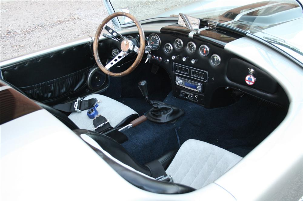 1965 SHELBY COBRA RE-CREATION ROADSTER - Interior - 130363