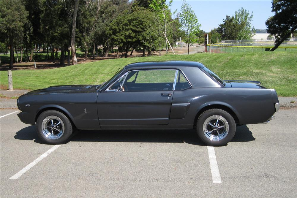 1965 FORD MUSTANG CUSTOM 2 DOOR COUPE - Side Profile - 130367