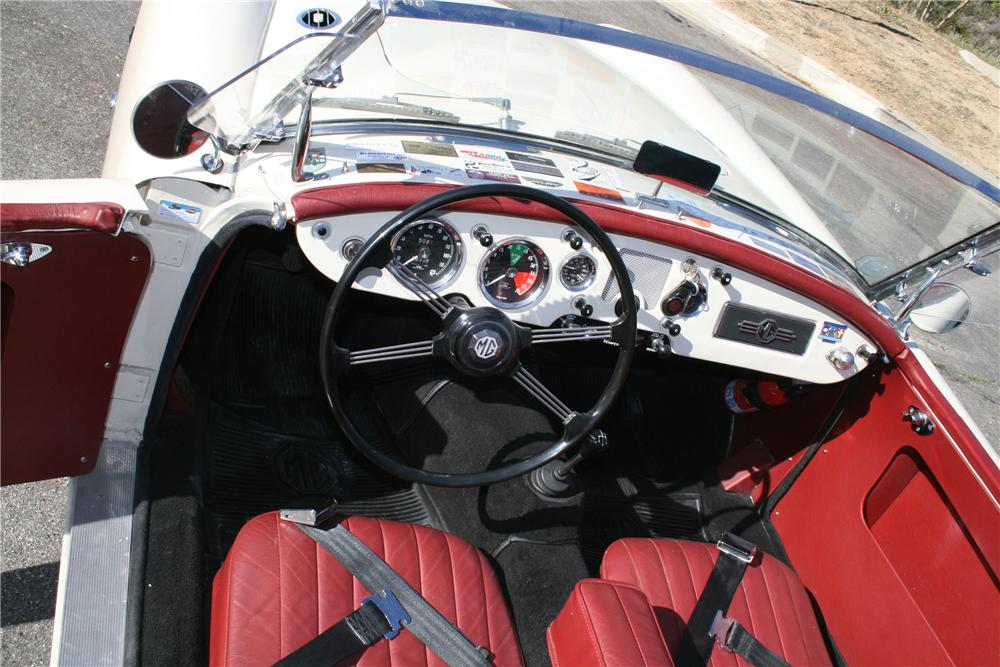 1957 MG A ROADSTER - Interior - 130389