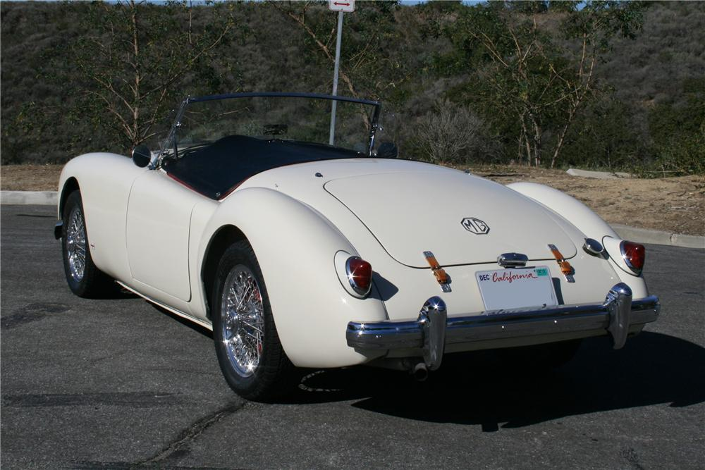 1957 MG A ROADSTER - Rear 3/4 - 130389