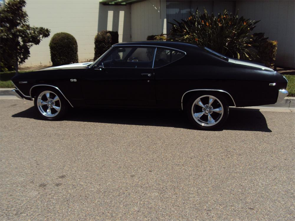 1969 CHEVROLET CHEVELLE CUSTOM 2 DOOR COUPE - Side Profile - 130402