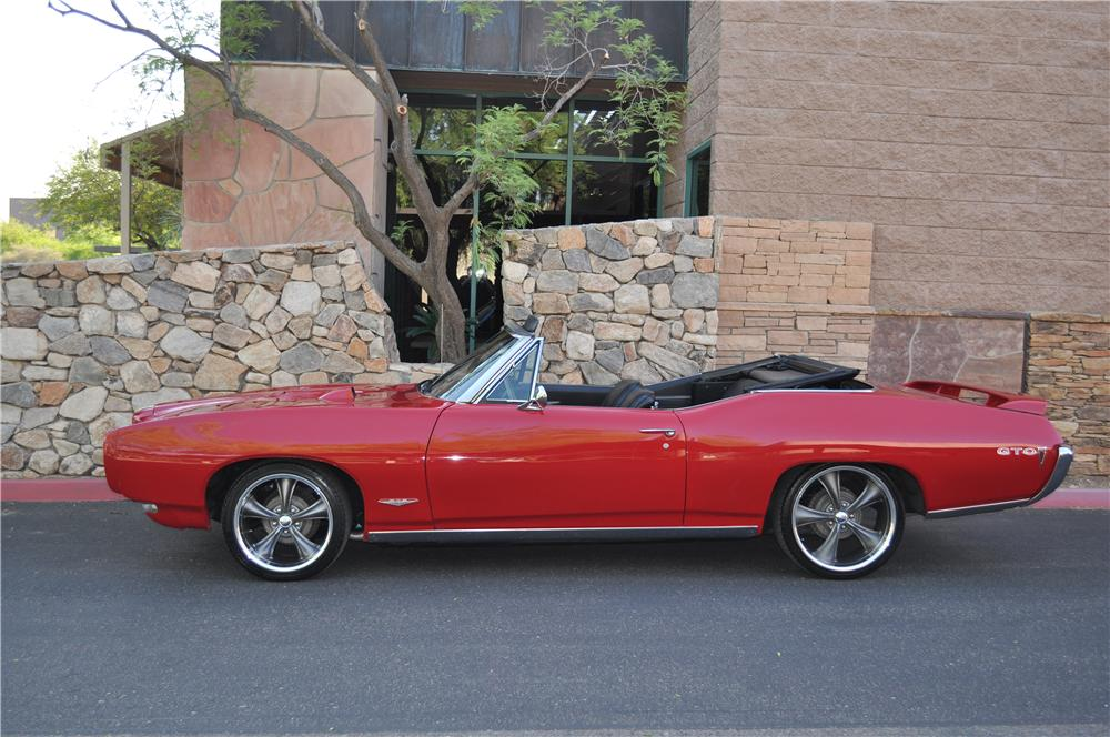 1968 PONTIAC LEMANS CUSTOM CONVERTIBLE - Side Profile - 130409