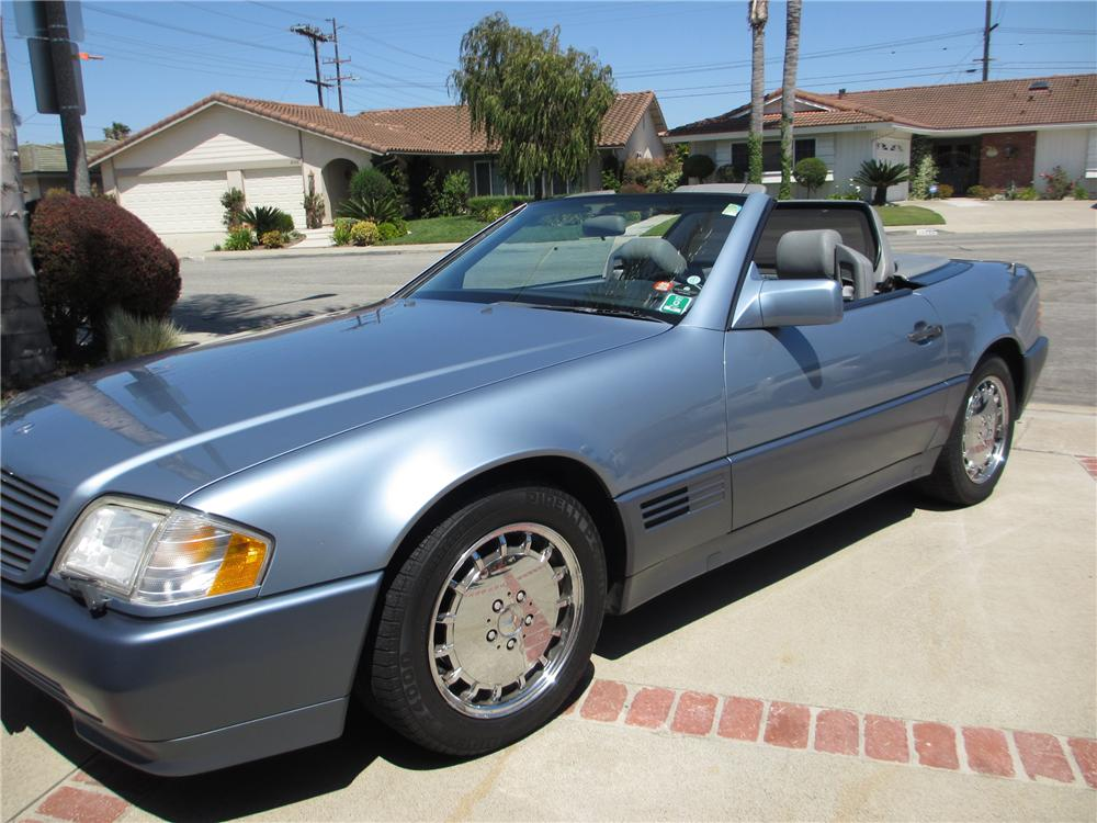 1990 MERCEDES-BENZ 300SL CONVERTIBLE - Front 3/4 - 130420