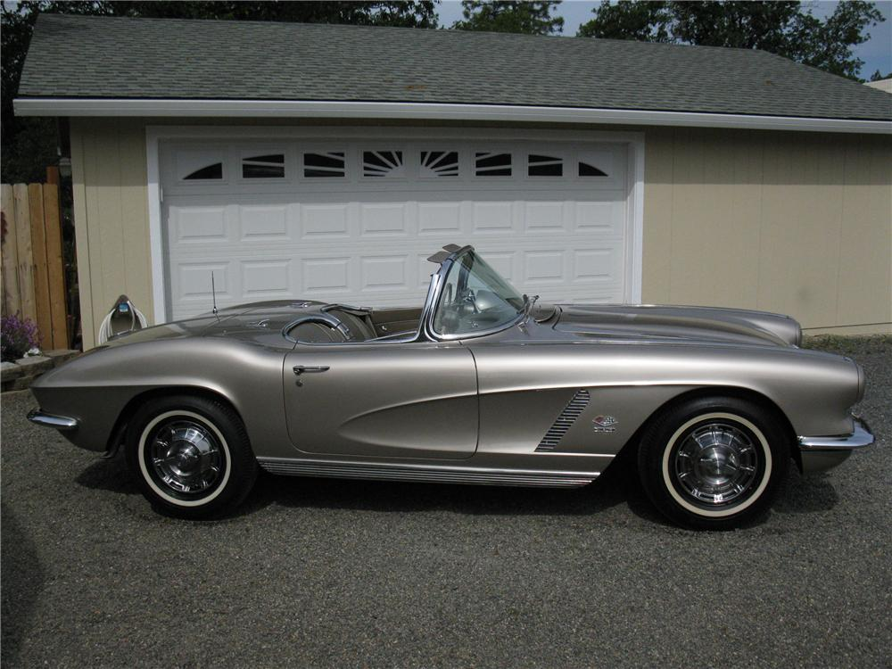 1962 CHEVROLET CORVETTE CONVERTIBLE - Side Profile - 130437