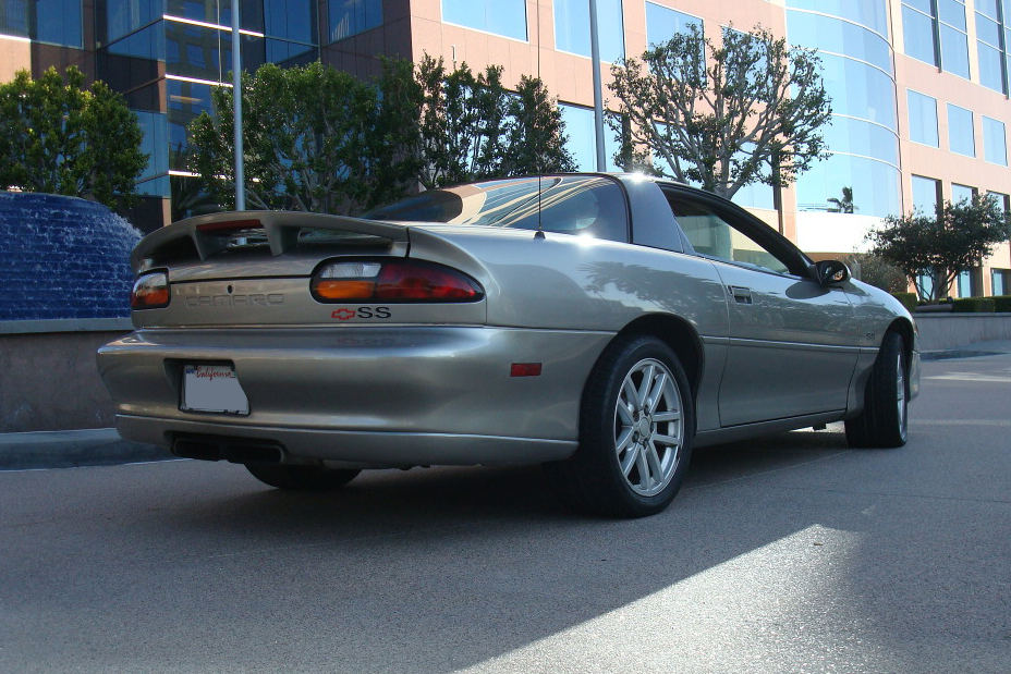 2001 CHEVROLET CAMARO SS 2 DOOR COUPE - Rear 3/4 - 130546