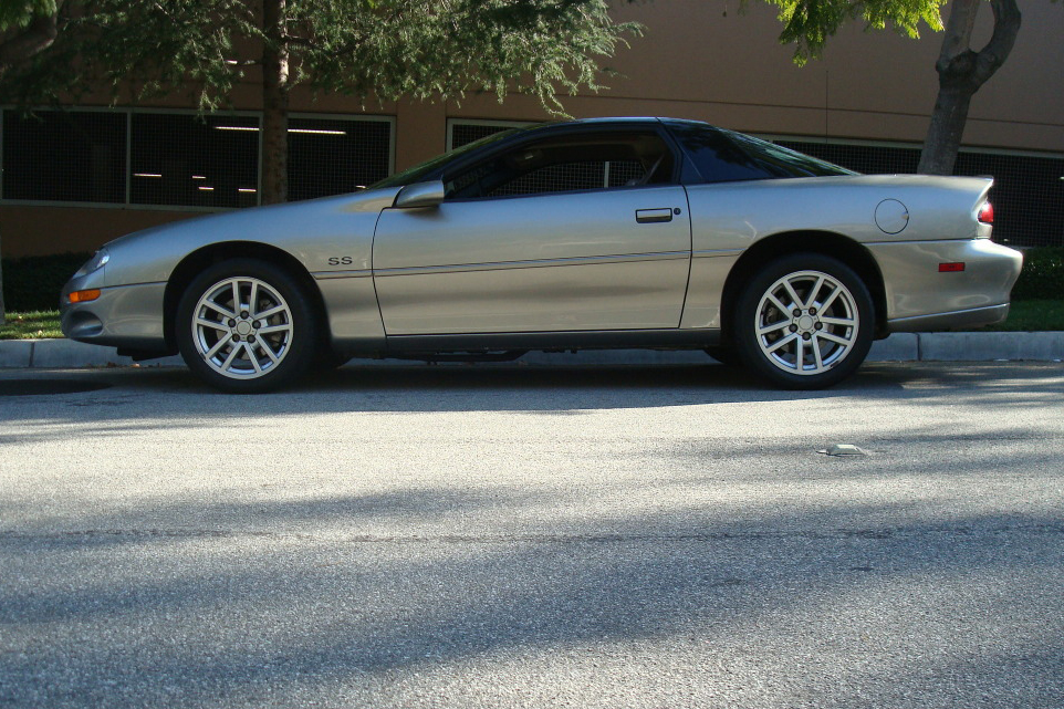 2001 CHEVROLET CAMARO SS 2 DOOR COUPE - Side Profile - 130546