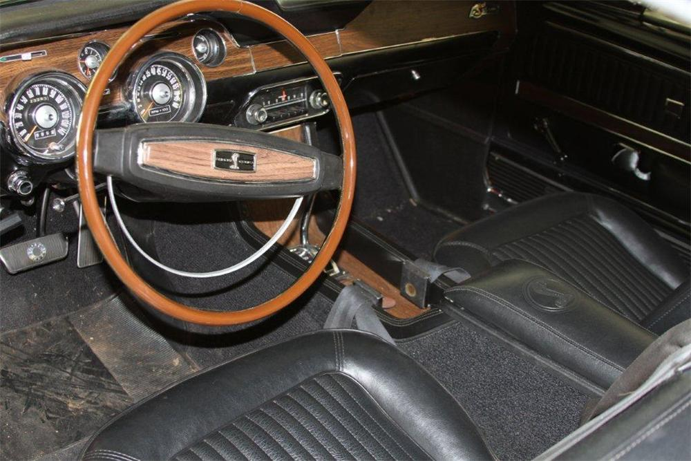 1968 SHELBY GT500 FASTBACK - Interior - 130615