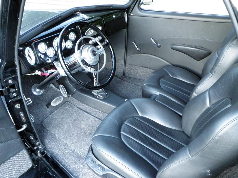 1940 CHEVROLET CUSTOM COUPE - Interior - 130616