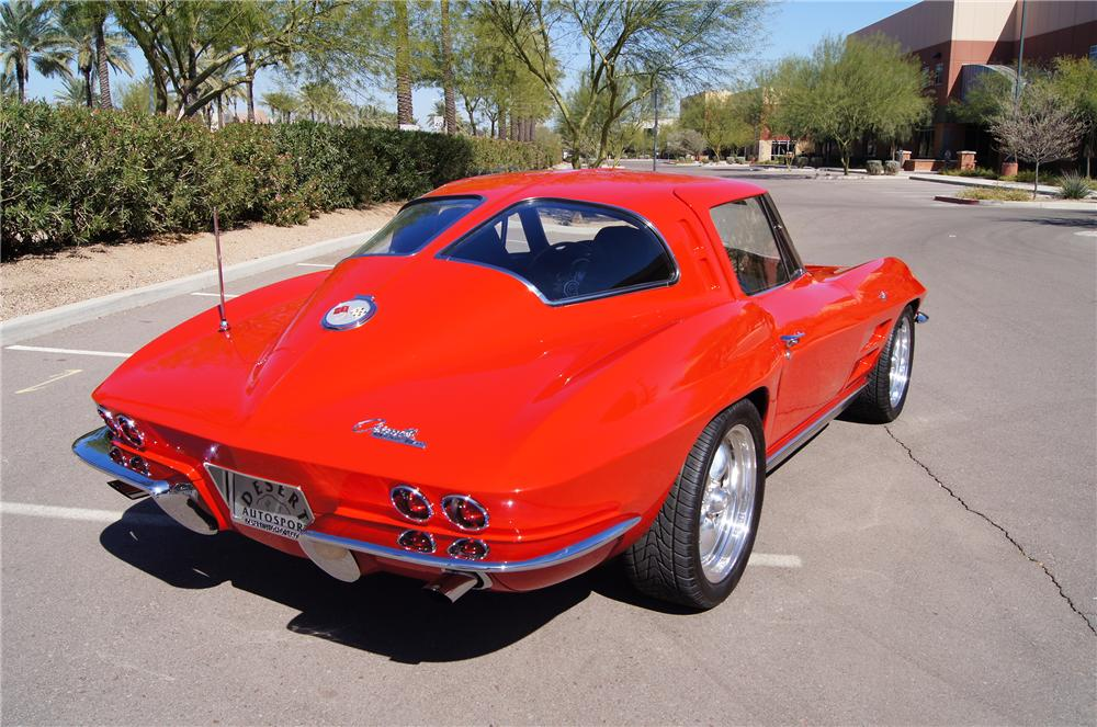 1963 CHEVROLET CORVETTE COUPE - Rear 3/4 - 130623