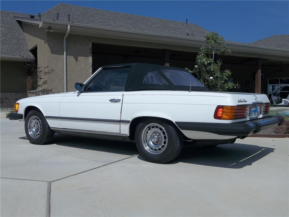 1979 MERCEDES-BENZ 450SL CONVERTIBLE - Rear 3/4 - 130624