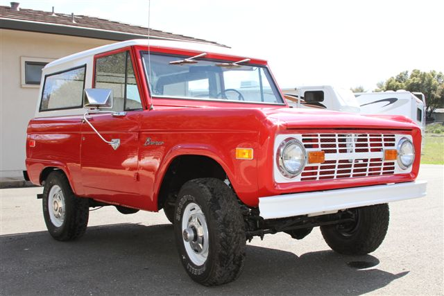 1974 FORD BRONCO SUV - Front 3/4 - 130639