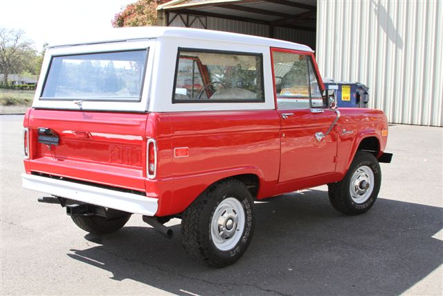 1974 FORD BRONCO SUV - Rear 3/4 - 130639