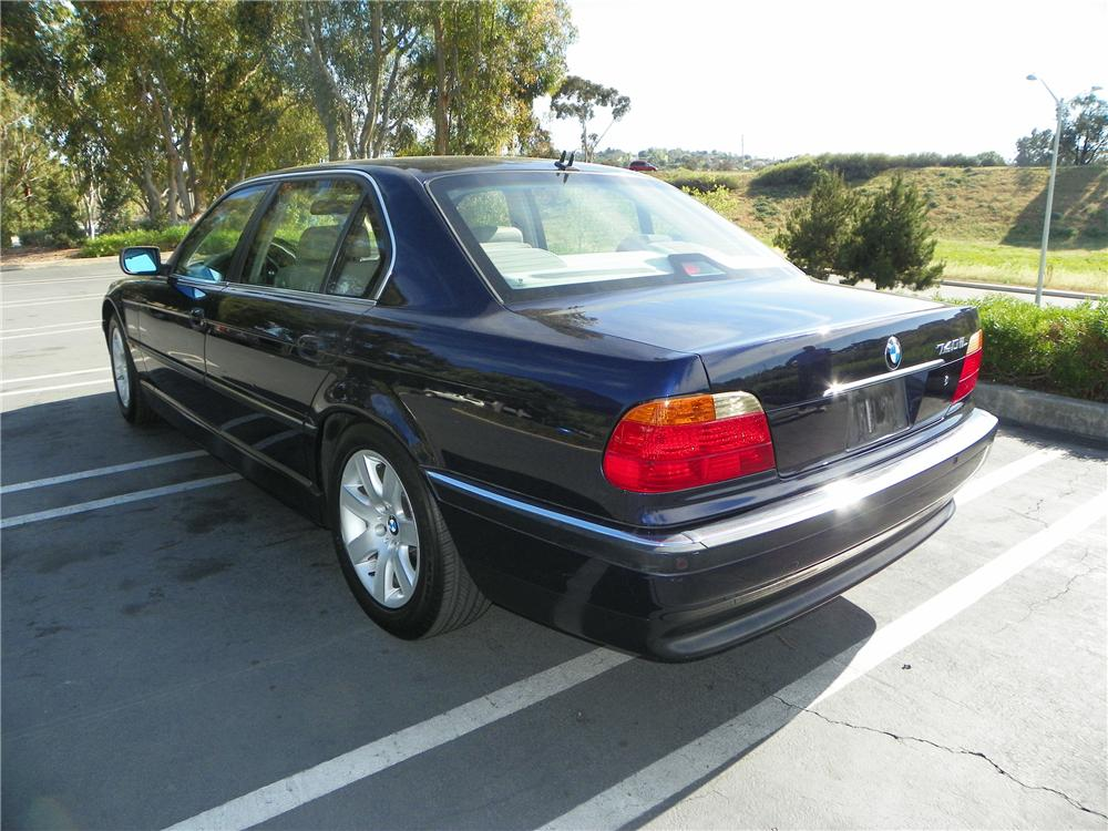 2000 BMW 740IL 4 DOOR SEDAN - Rear 3/4 - 130726