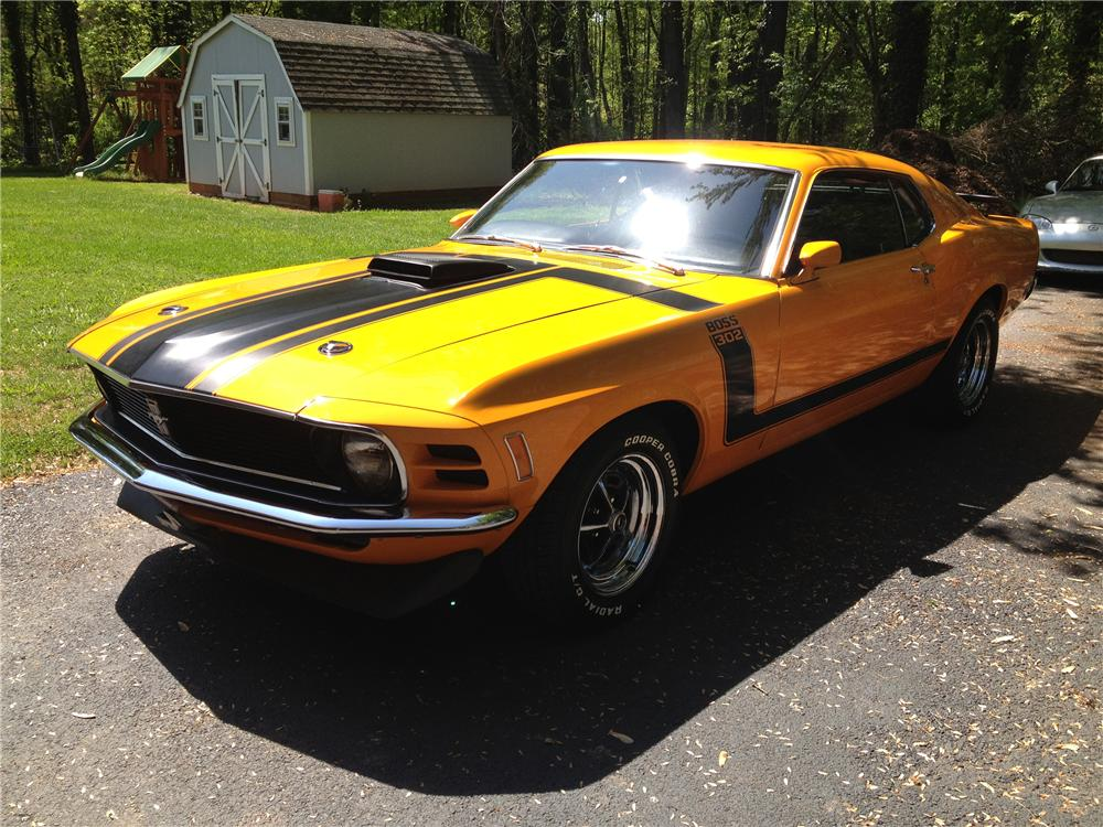 1970 FORD MUSTANG CUSTOM FASTBACK - Front 3/4 - 130727