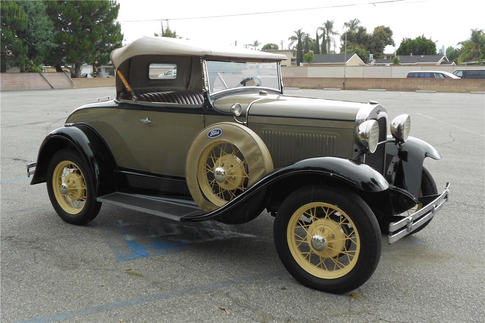 1930 FORD MODEL A ROADSTER - Front 3/4 - 130732