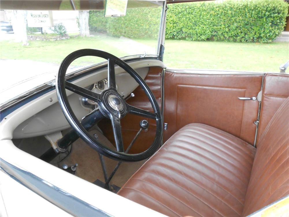 1930 FORD MODEL A ROADSTER - Interior - 130732