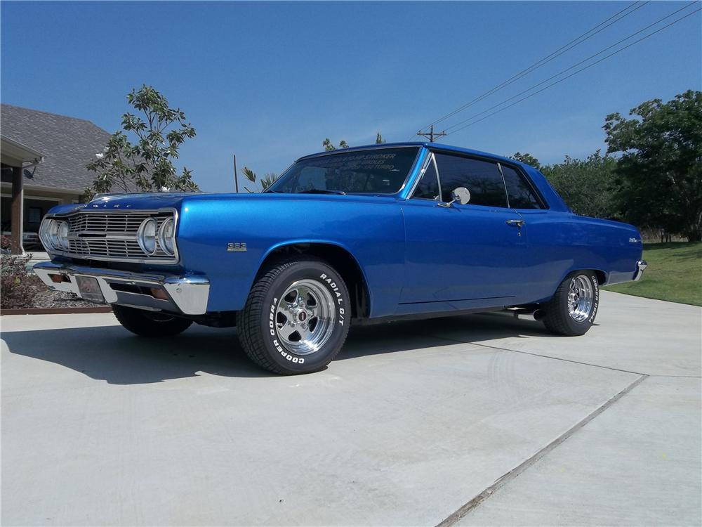 1965 CHEVROLET CHEVELLE CUSTOM 2 DOOR COUPE - Front 3/4 - 130733