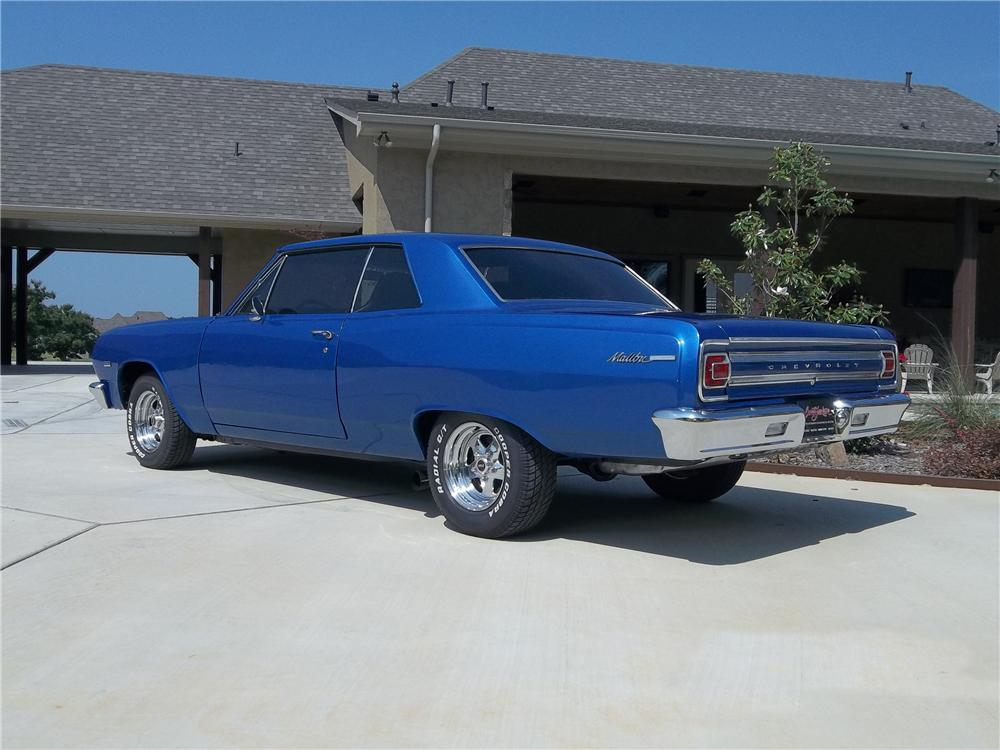 1965 CHEVROLET CHEVELLE CUSTOM 2 DOOR COUPE - Rear 3/4 - 130733