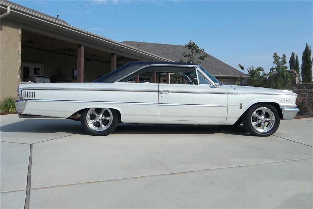 1963 FORD GALAXIE 500 CUSTOM FASTBACK - Side Profile - 130734