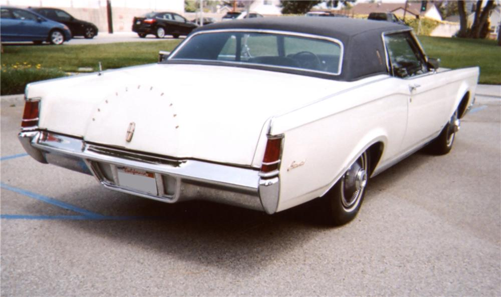 1969 LINCOLN CONTINENTAL MARK III 2 DOOR COUPE - Rear 3/4 - 130902