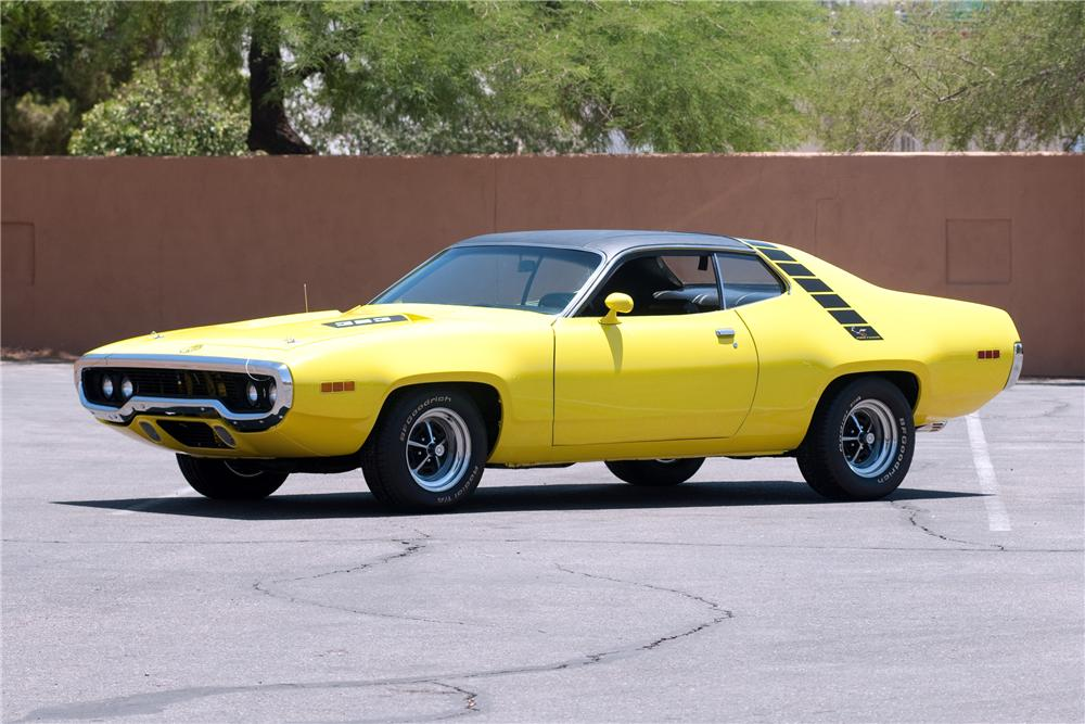 1971 PLYMOUTH ROAD RUNNER 2 DOOR COUPE - Front 3/4 - 130912