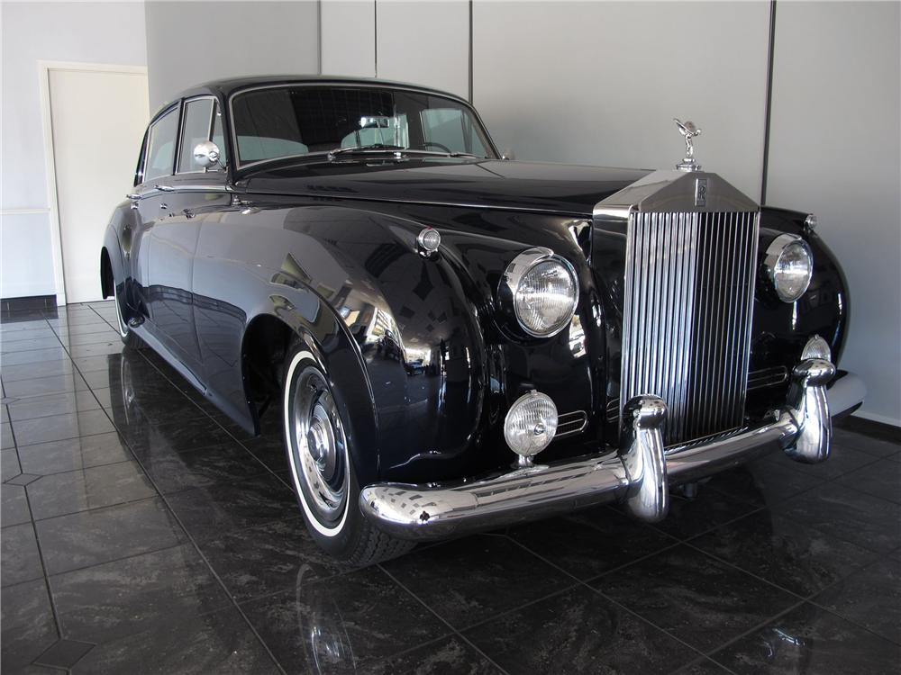 1961 ROLLS-ROYCE SILVER CLOUD II 4 DOOR SEDAN - Front 3/4 - 130923