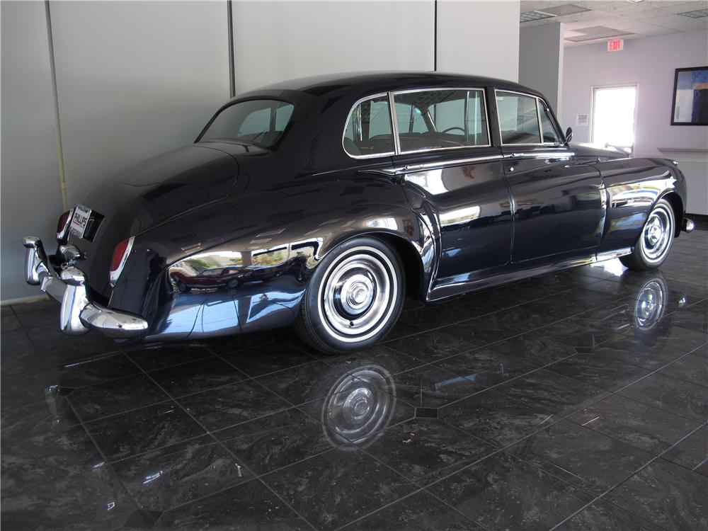 1961 ROLLS-ROYCE SILVER CLOUD II 4 DOOR SEDAN - Rear 3/4 - 130923
