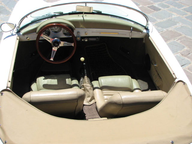 1956 PORSCHE SPEEDSTER RE-CREATION CONVERTIBLE - Interior - 130942