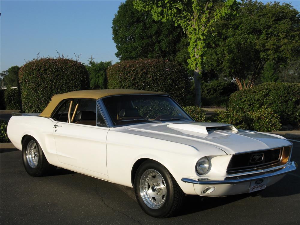 1968 FORD MUSTANG CUSTOM CONVERTIBLE - Front 3/4 - 130944