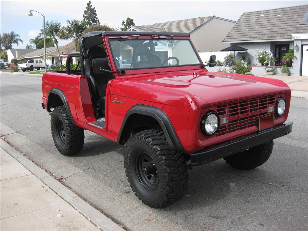 1968 FORD BRONCO CUSTOM SUV - Front 3/4 - 130956