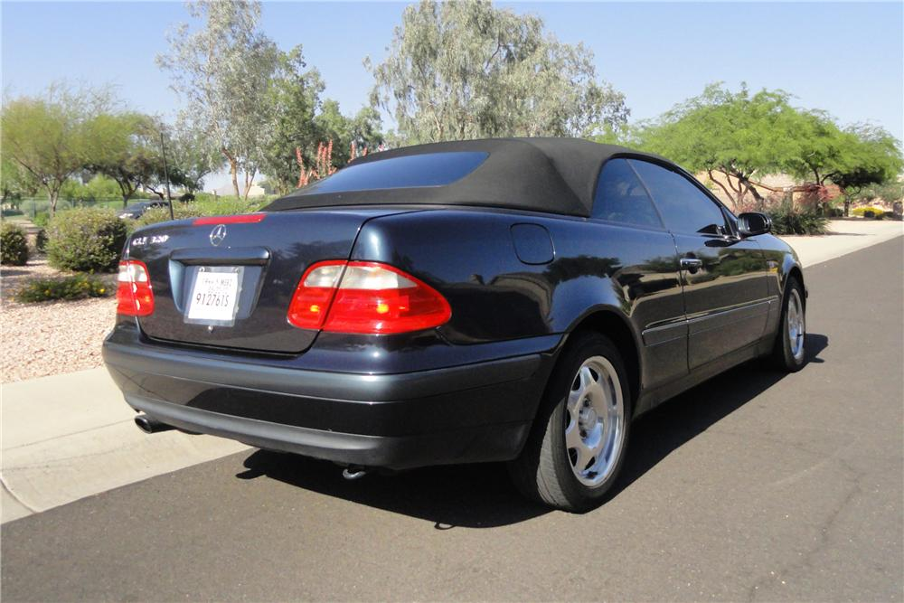 1999 mercedes benz clk 320 convertible 130961. Black Bedroom Furniture Sets. Home Design Ideas