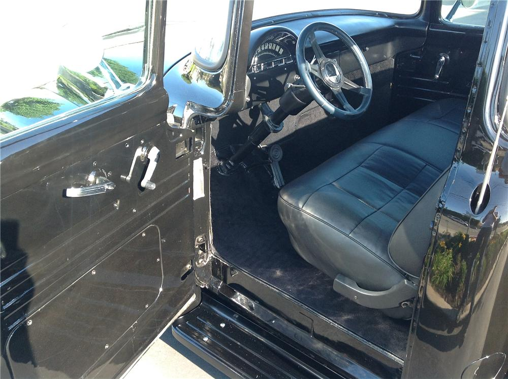 1956 FORD F-100 CUSTOM PICKUP - Interior - 130999