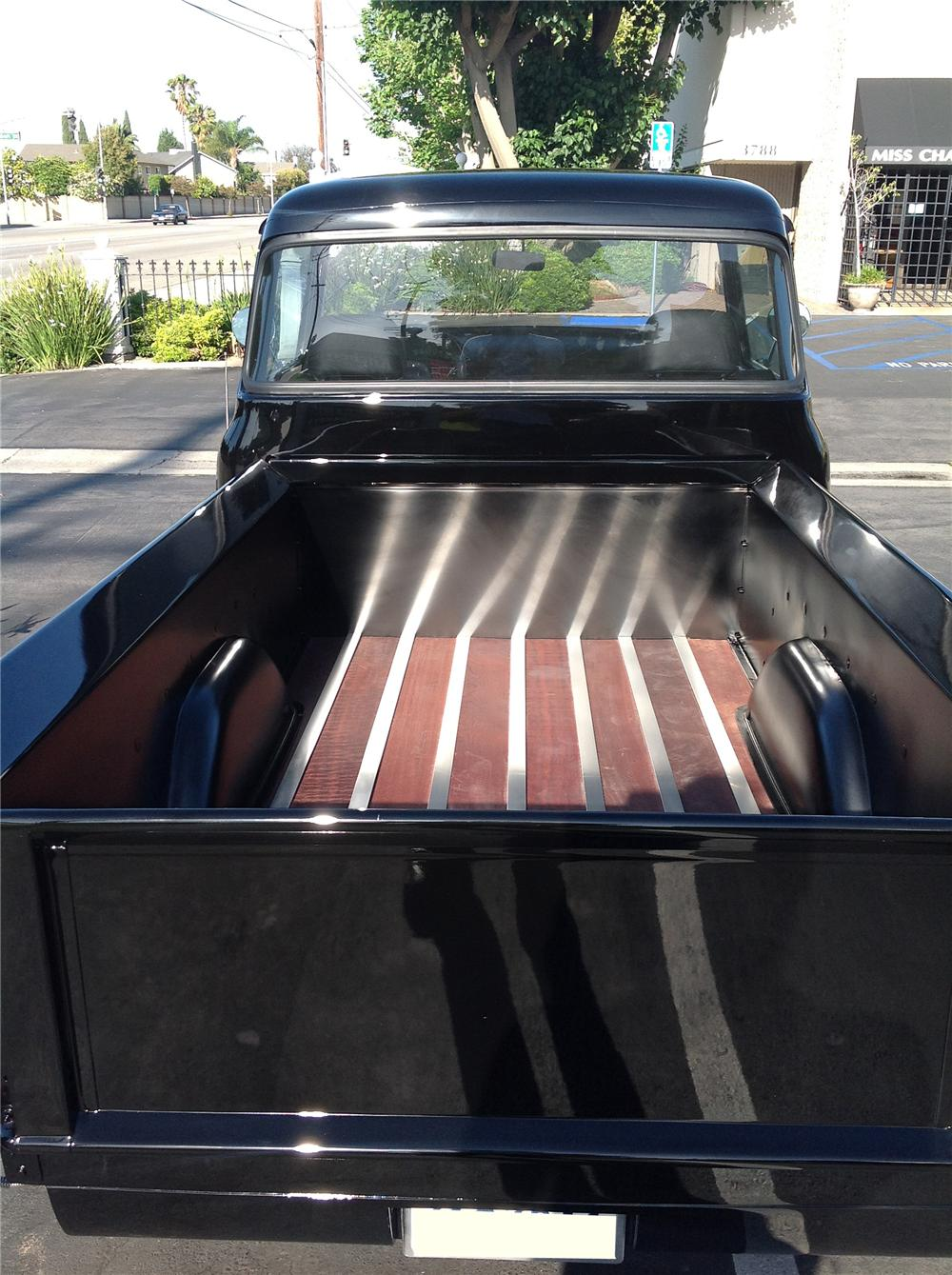 1956 FORD F-100 CUSTOM PICKUP - Rear 3/4 - 130999