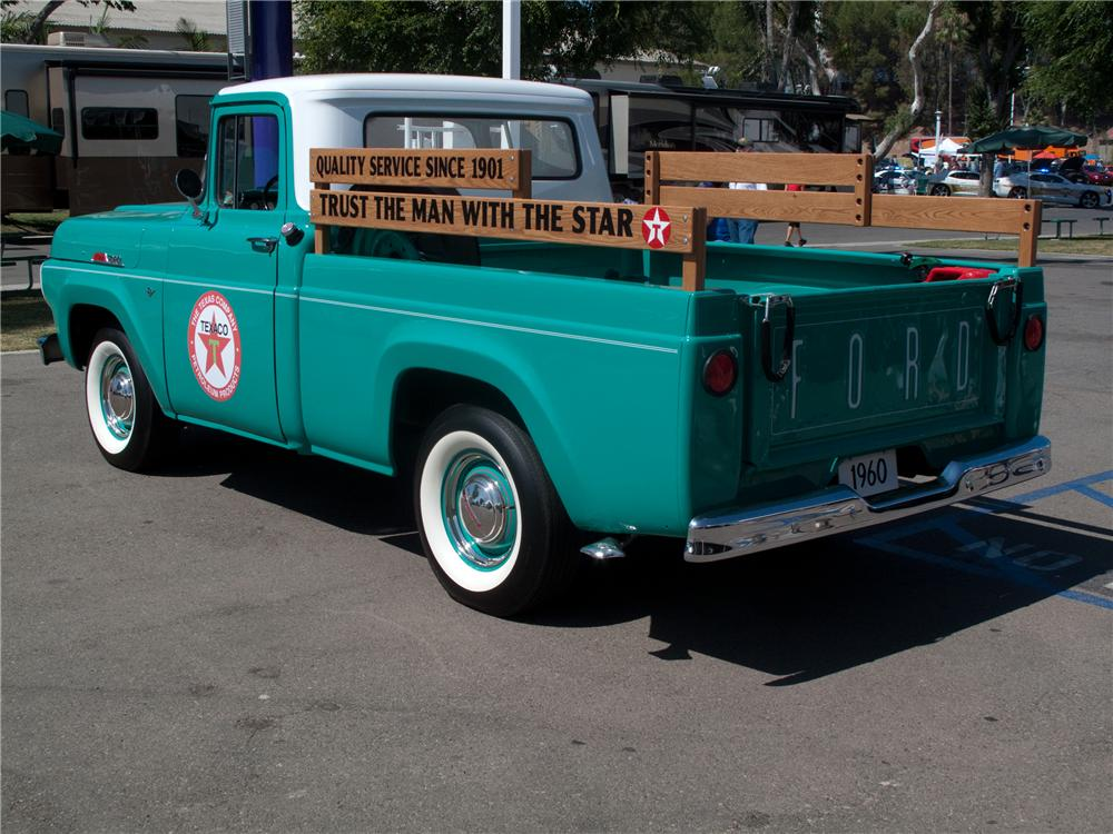 1960 FORD F-100 CUSTOM PICKUP - Rear 3/4 - 131000