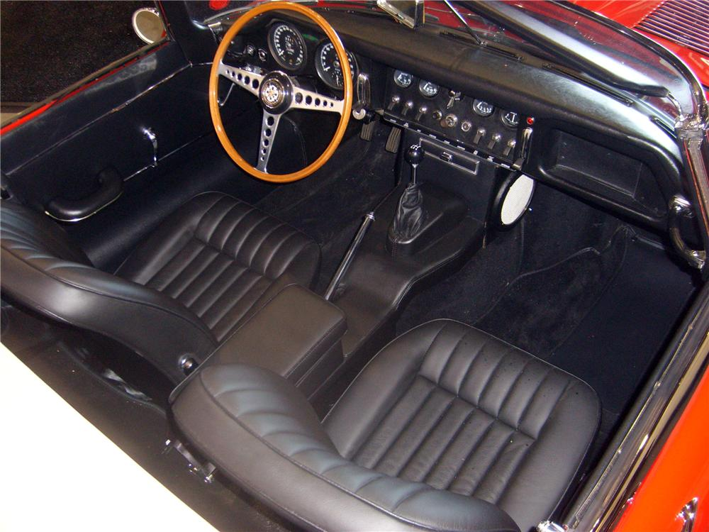 1967 JAGUAR XKE SERIES I CONVERTIBLE - Interior - 131009