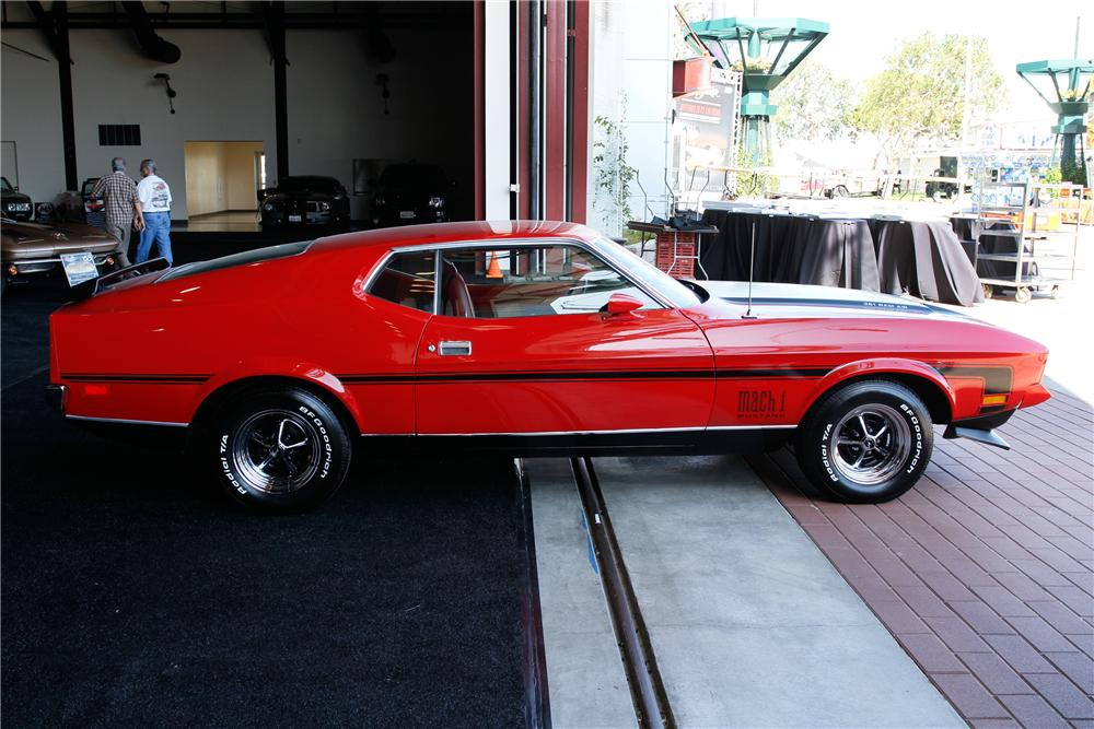 1971 FORD MUSTANG MACH 1 FASTBACK - Side Profile - 131016
